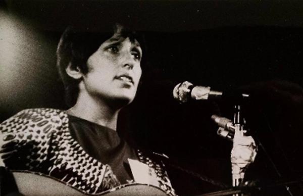 Carry It On – Joan Baez documentary